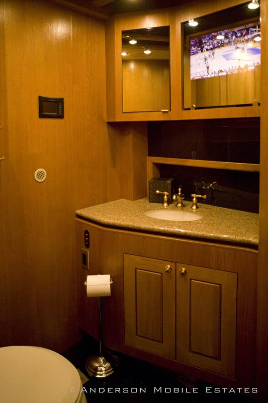 ashton kutchers trailer mobile home anderson 10 Anderson Mobile Estates: Luxury Trailers to the Stars