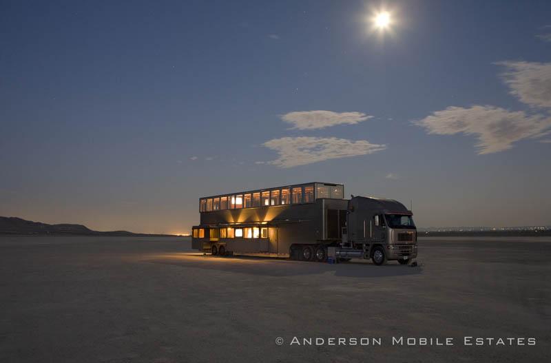 ashton kutchers trailer mobile home anderson 2 Anderson Mobile Estates: Luxury Trailers to the Stars