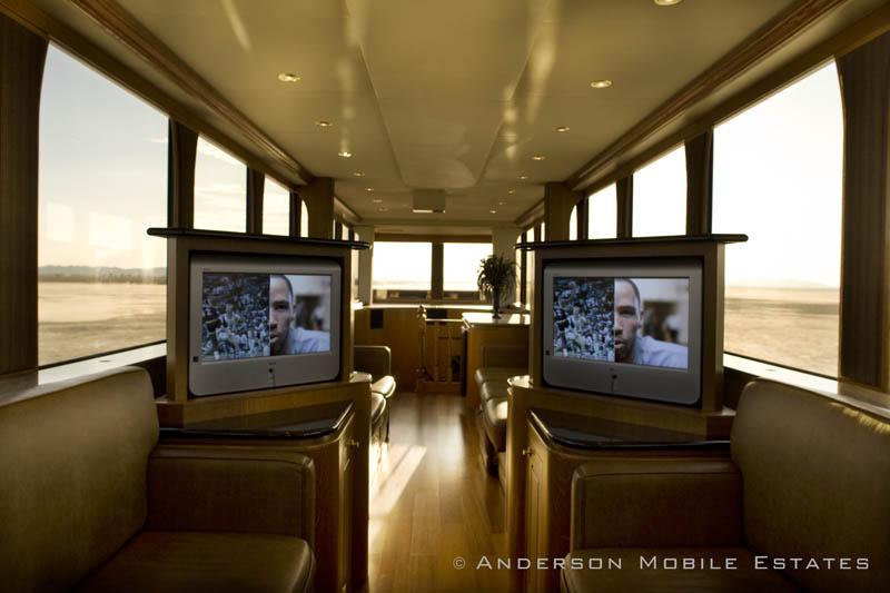 ashton kutchers trailer mobile home anderson 4 Anderson Mobile Estates: Luxury Trailers to the Stars