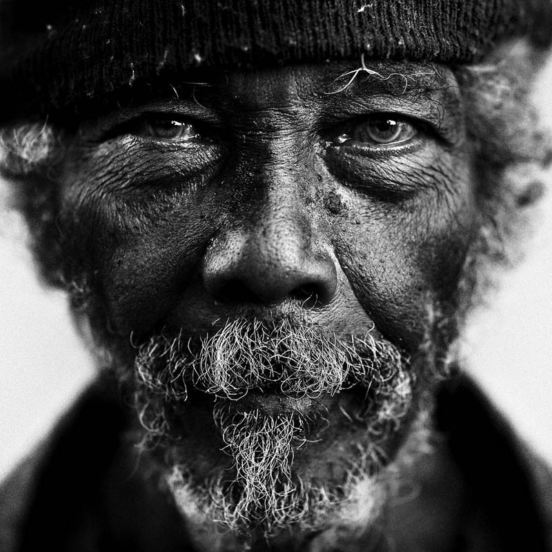 homeless black and white portraits lee jeffries 10 Gripping Black and White Portraits of the Homeless by Lee Jeffries