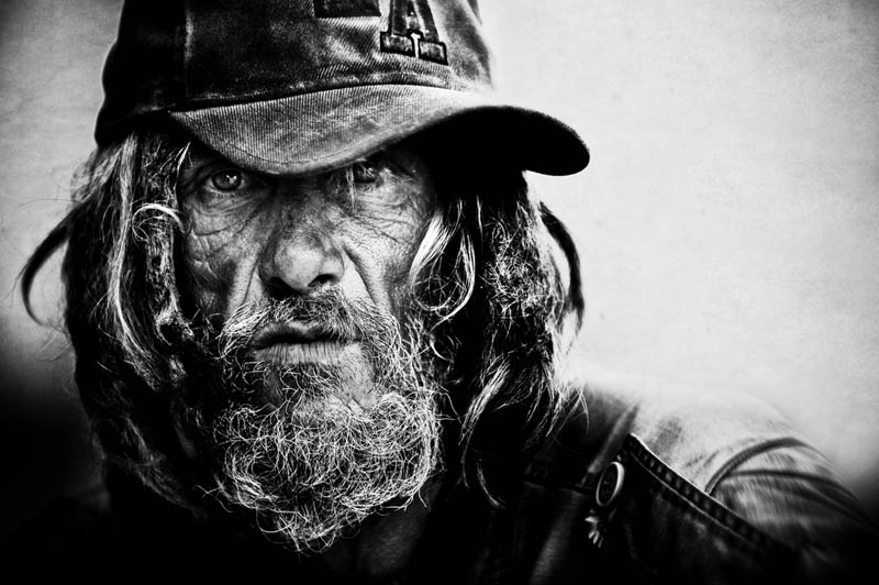 homeless black and white portraits lee jeffries 2 Gripping Black and White Portraits of the Homeless by Lee Jeffries