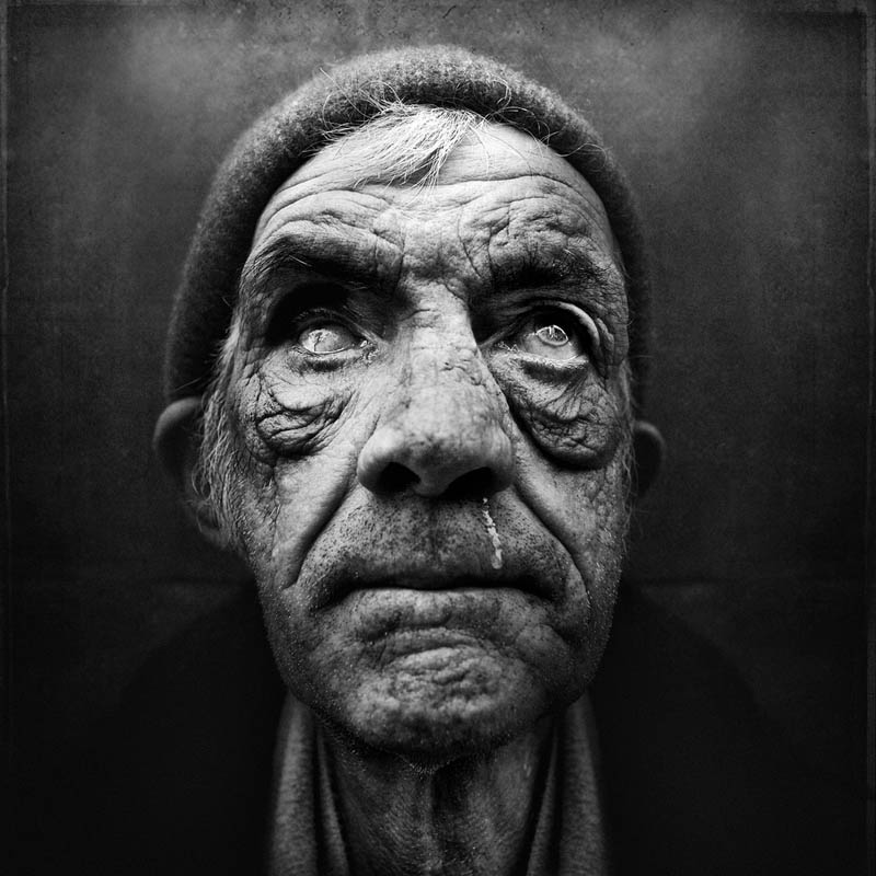 homeless black and white portraits lee jeffries 24 Gripping Black and White Portraits of the Homeless by Lee Jeffries