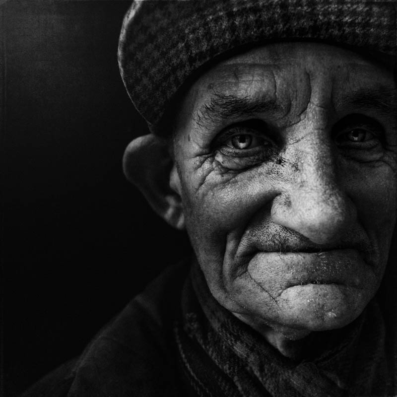homeless black and white portraits lee jeffries 32 Gripping Black and White Portraits of the Homeless by Lee Jeffries