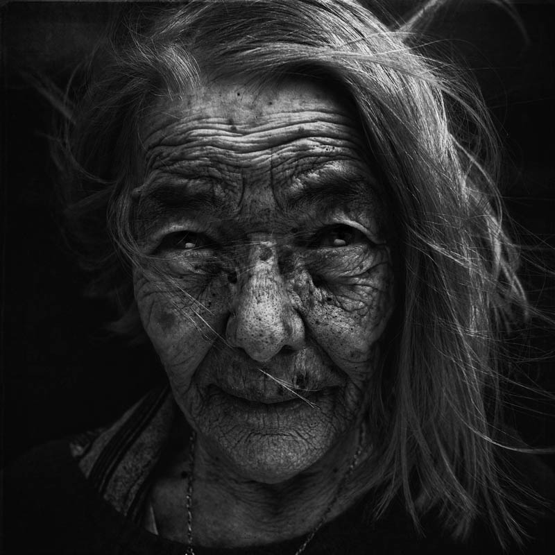 homeless black and white portraits lee jeffries 37 Gripping Black and White Portraits of the Homeless by Lee Jeffries