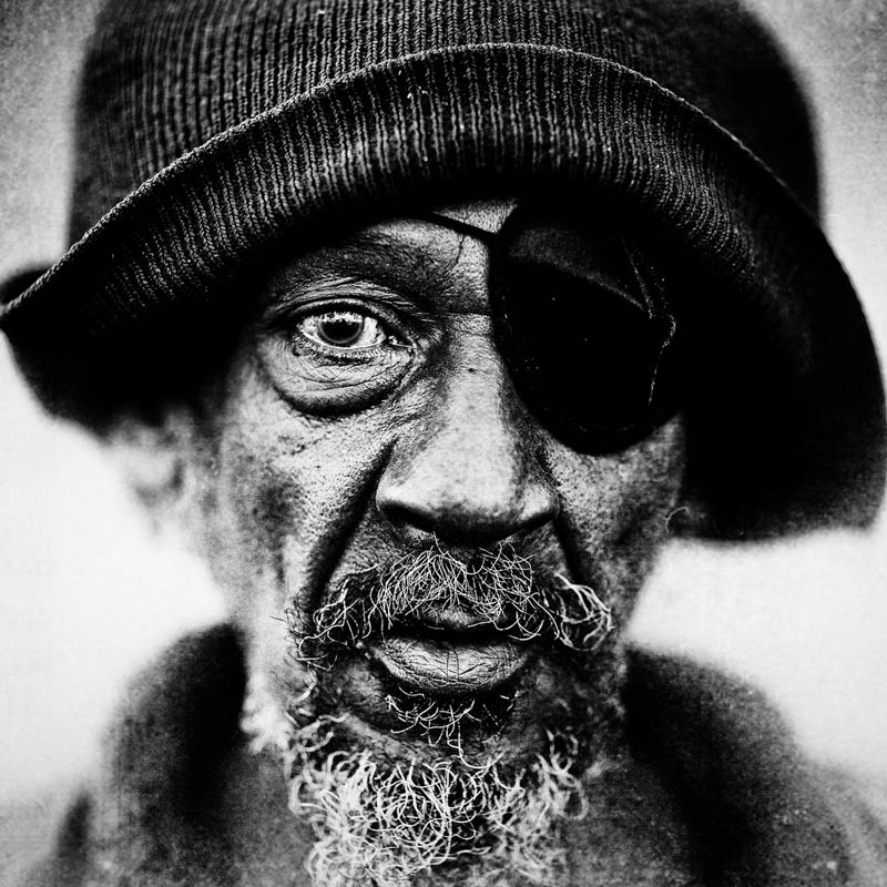 homeless black and white portraits lee jeffries 5 Gripping Black and White Portraits of the Homeless by Lee Jeffries