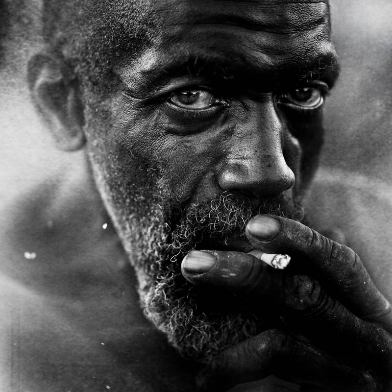 homeless black and white portraits lee jeffries 7 Gripping Black and White Portraits of the Homeless by Lee Jeffries