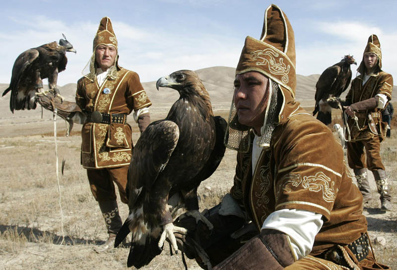 kazakh hunters with golden eagles krgyzstan This Day In History   August 31st