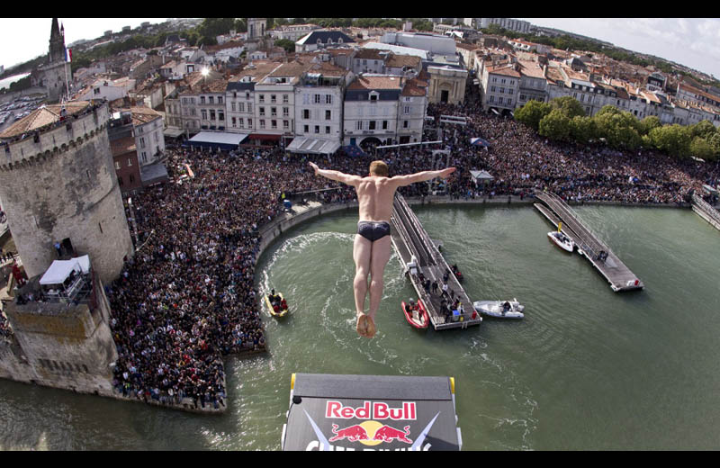 red bull cliff diving world series Picture of the Day: CANNONBALL!