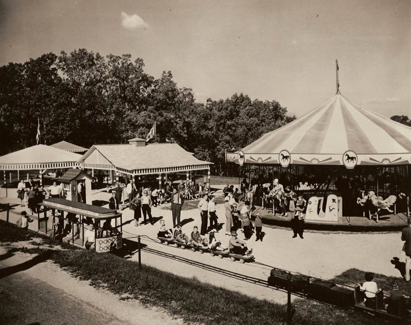 santa claus land This Day In History   August 3rd