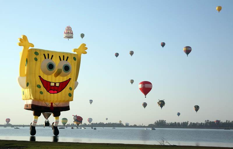 spongebob squarepants leon hot air balloon festival 2010 Picture of the Day: SpongeBob SquareBalloon!