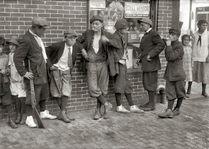 vintage street gang 1916 springfield massachusetts Picture of the Day: Vintage Street Gang from 1916
