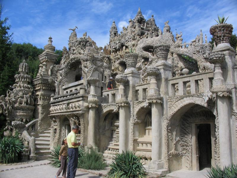 ideal palace palais ideal ferdinand cheval 10 Postman Spends 33 Years Building Palace by Hand [25 pics]