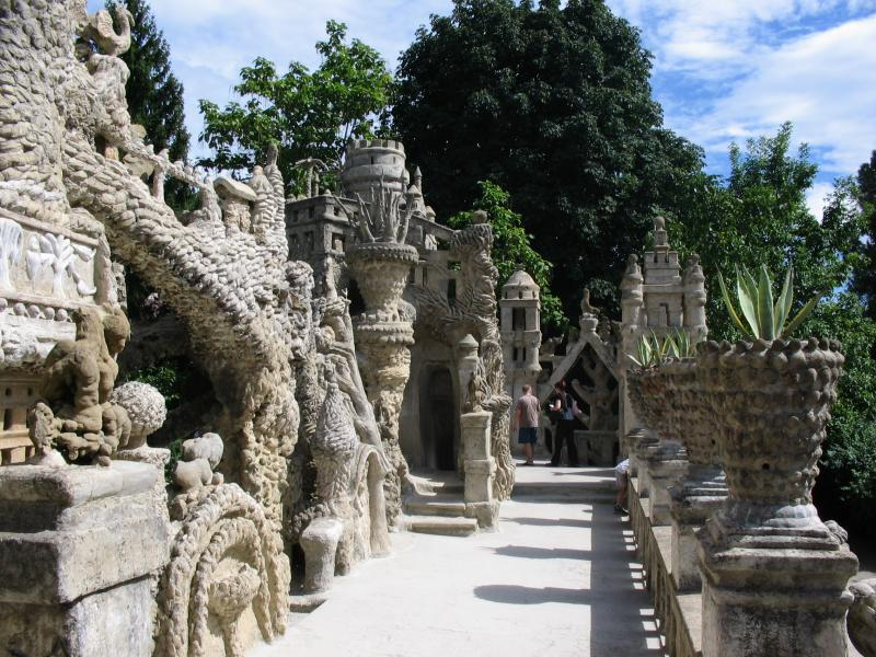 ideal palace palais ideal ferdinand cheval 11 Postman Spends 33 Years Building Palace by Hand [25 pics]