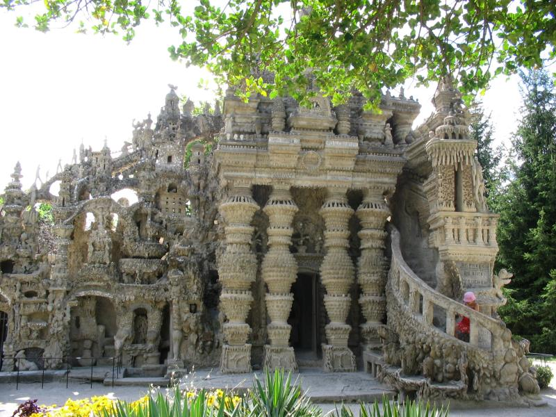 ideal palace palais ideal ferdinand cheval 12 Postman Spends 33 Years Building Palace by Hand [25 pics]