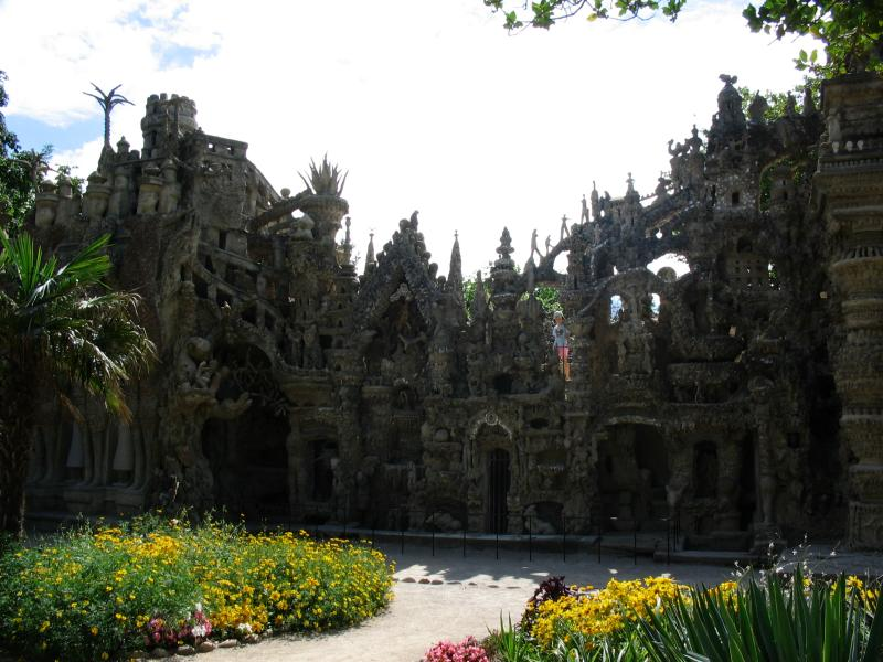 ideal palace palais ideal ferdinand cheval 13 Postman Spends 33 Years Building Palace by Hand [25 pics]
