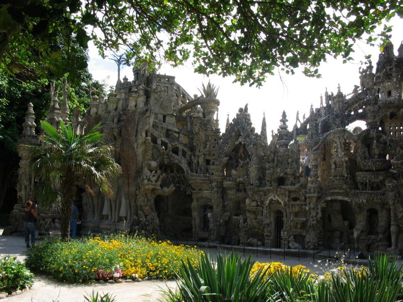 ideal palace palais ideal ferdinand cheval 15 Postman Spends 33 Years Building Palace by Hand [25 pics]