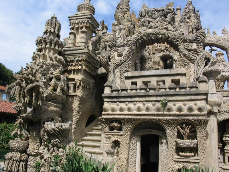 ideal palace palais ideal ferdinand cheval 4 Postman Spends 33 Years Building Palace by Hand [25 pics]