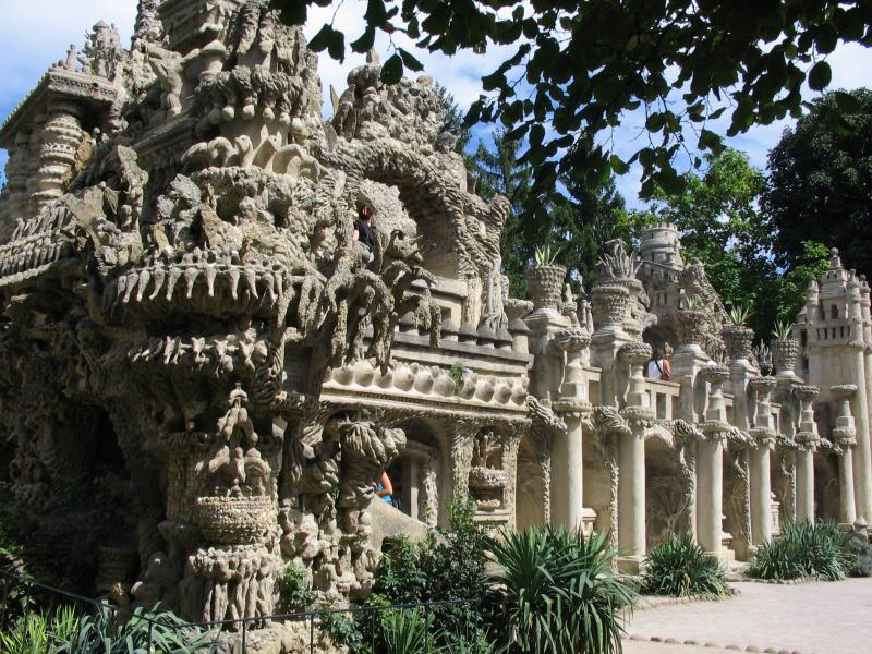 ideal palace palais ideal ferdinand cheval 6 Postman Spends 33 Years Building Palace by Hand [25 pics]