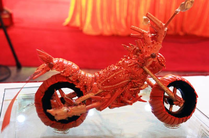 lobster motorcycle art 4 Lobster Shell Motorcycle Art