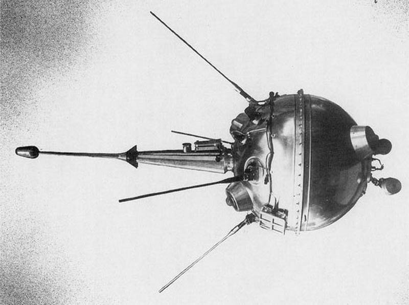 luna 2 ussr first spacecraft to reach moon This Day In History   September 14th