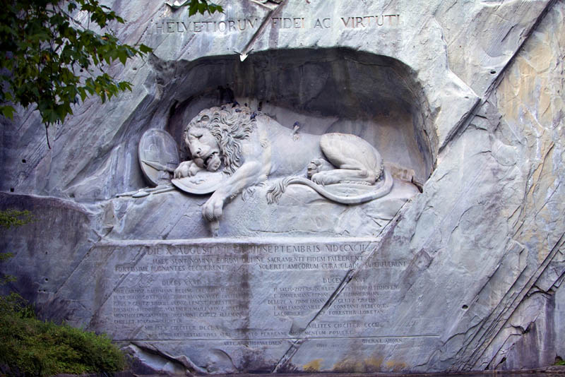 the lion monument of lucernce switzerland Picture of the Day: The Lion Monument of Lucerne, Switzerland