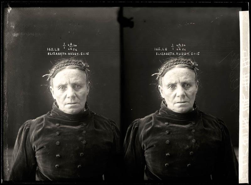 vintage female mug shots 11 Femme Fatales: 35 Vintage Female Mug Shots