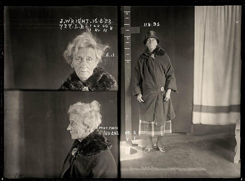 vintage female mug shots 18 Femme Fatales: 35 Vintage Female Mug Shots
