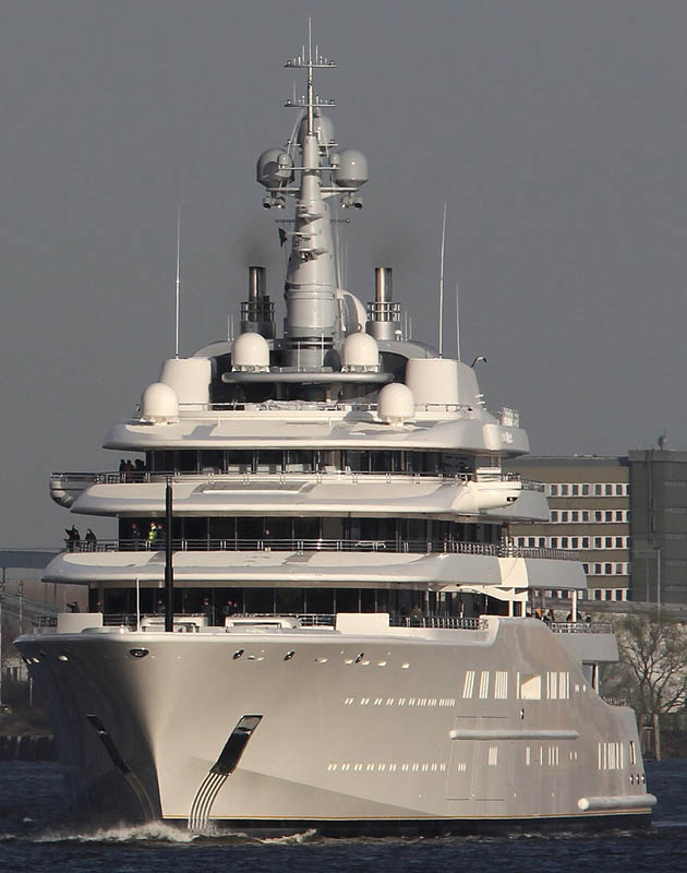 worlds biggest largest yacht eclipse roman abramovich 5 Eclipse   The Largest Private Yacht in the World