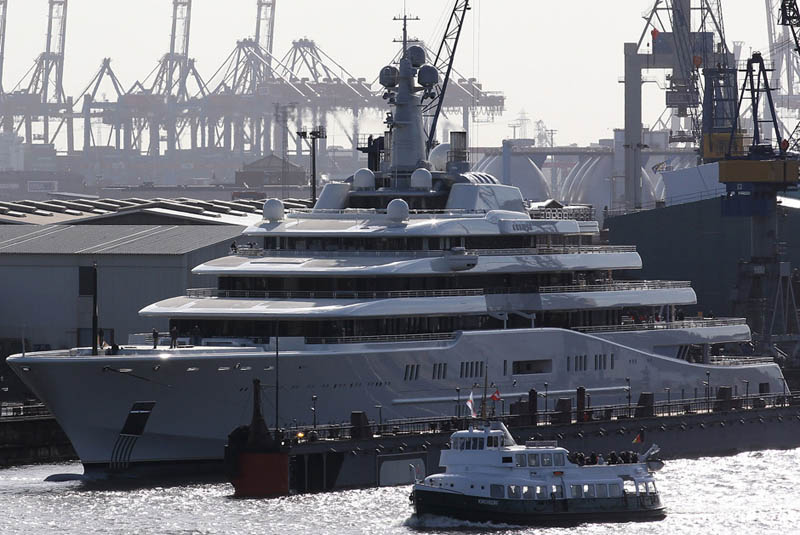 worlds biggest largest yacht eclipse roman abramovich 6 Eclipse Yacht is made for people with money! This yacht gives you style and lux