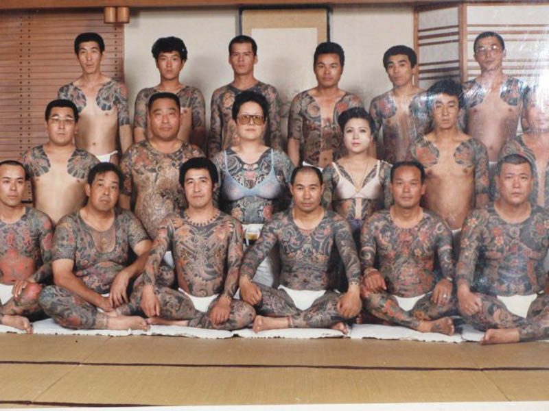 yakuza family portrait photo Picture of the Day: Yakuza Family Portrait