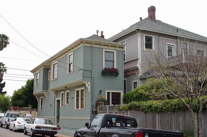 alameda spite house california 8 Homes Built Out of Spite