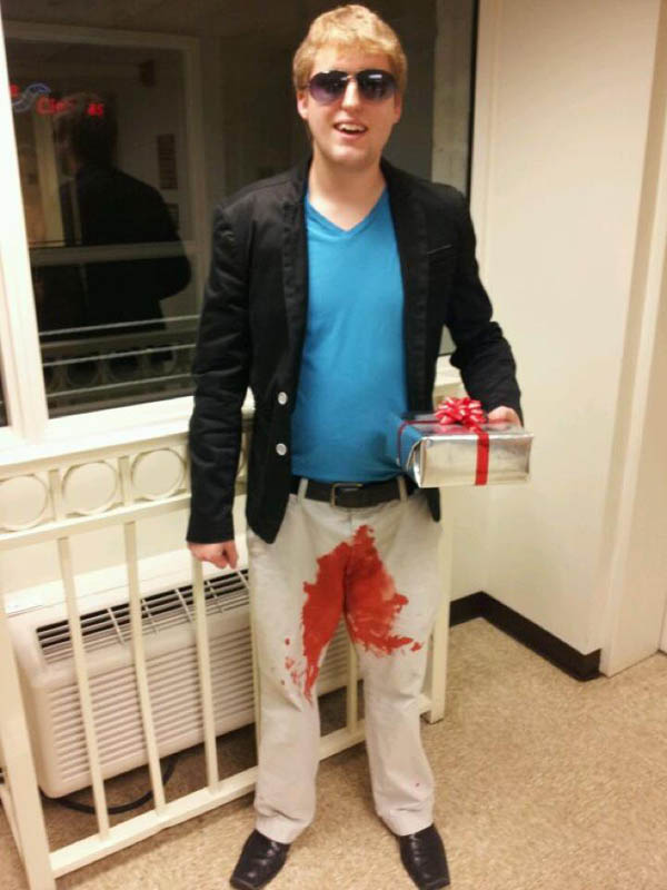in a box hilarious halloween costume 25 Hilarious Halloween Costumes from the Weekend