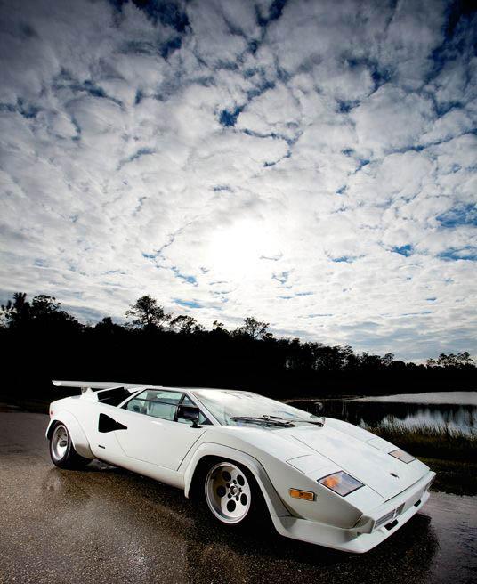 lamborghini countach lp400s 4 The Legendary Lamborghini Countach