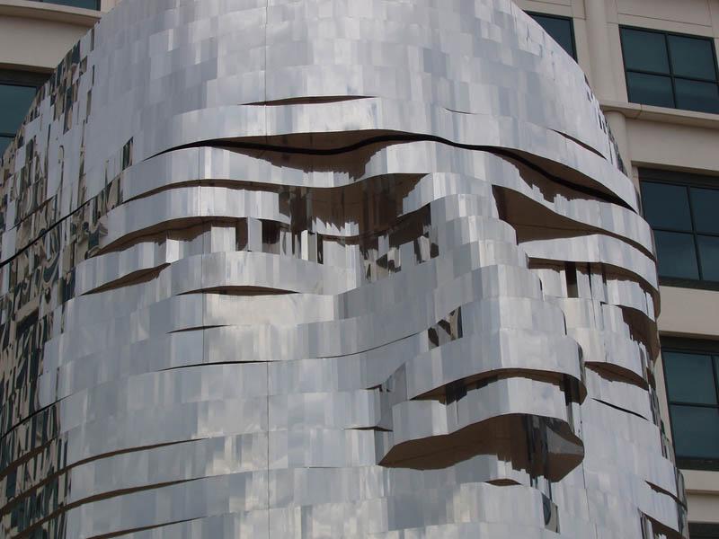 metalmorphosis david cerny stainless steel head sculpture north carolina 15 Metalmorphosis: Incredible Moving Sculpture by David Cerny