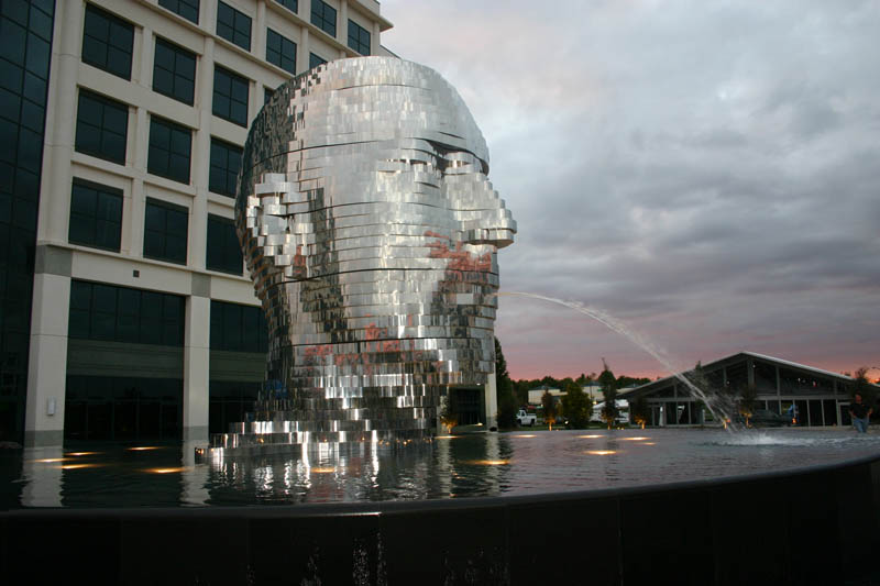 metalmorphosis david cerny stainless steel head sculpture north carolina 4 Metalmorphosis: Incredible Moving Sculpture by David Cerny