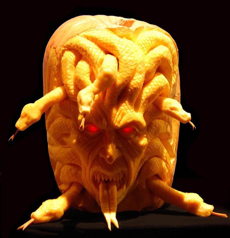 most amazing pumpkin carving ray villafane 4 10 Jaw Dropping Pumpkin Carvings by Ray Villafane