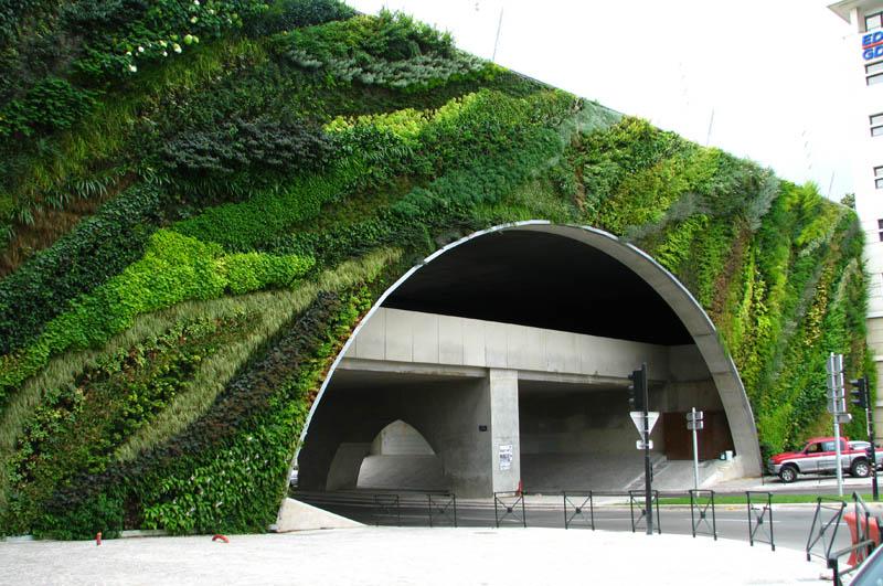 pont max juvenal aix en provence vertical wall garden 15 Incredible Vertical Gardens Around the World