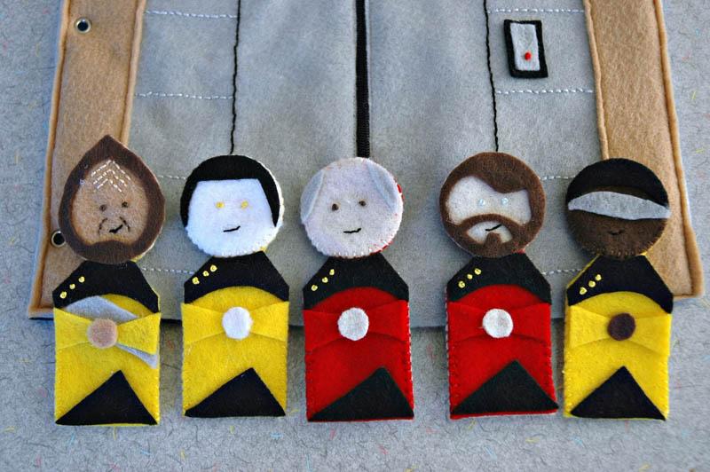 sewn felt star trek queit book for children 4 Awesome Star Trek Quiet Book for Kids