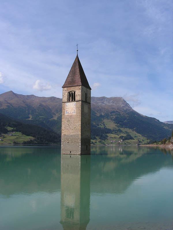 submerged clock tower reschensee Picture of the Day: The Submerged Clock Tower of Lake Reschen