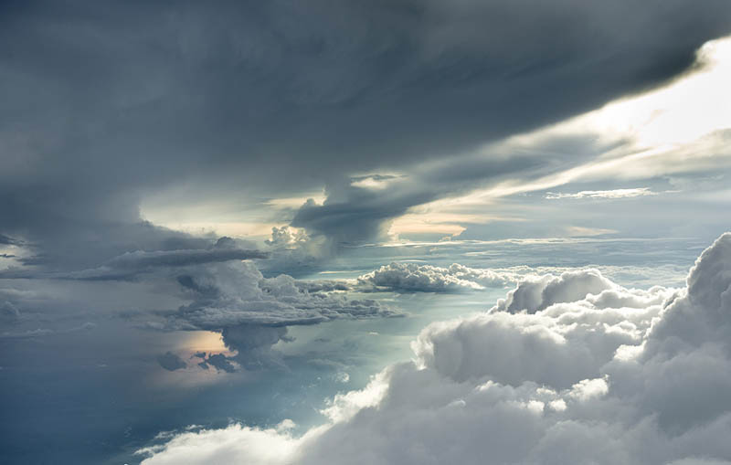 Above the Clouds: Photos from 20,000 feet (6000m)