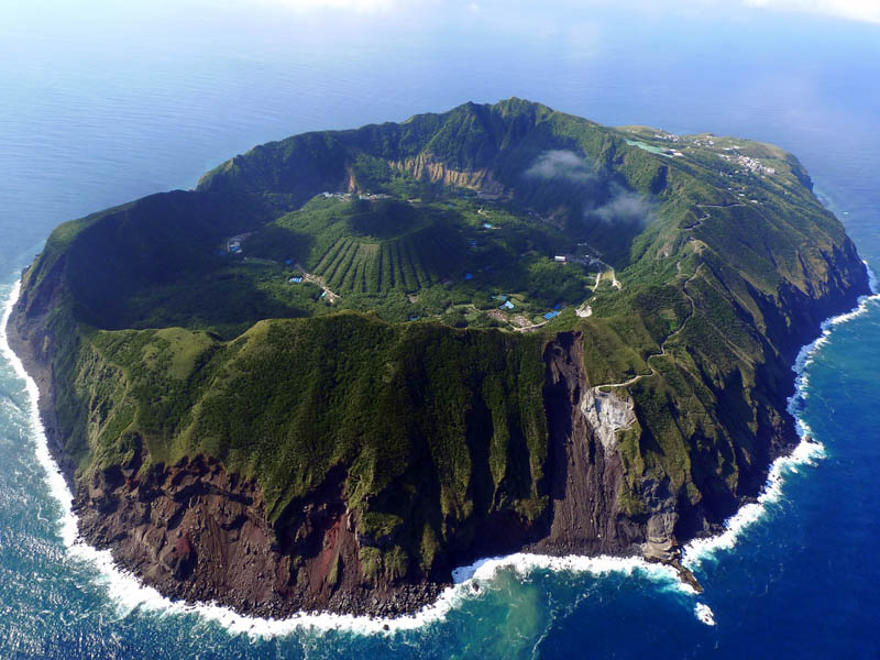 aogoshima island volcano The Top 50 Pictures of the Day for 2011