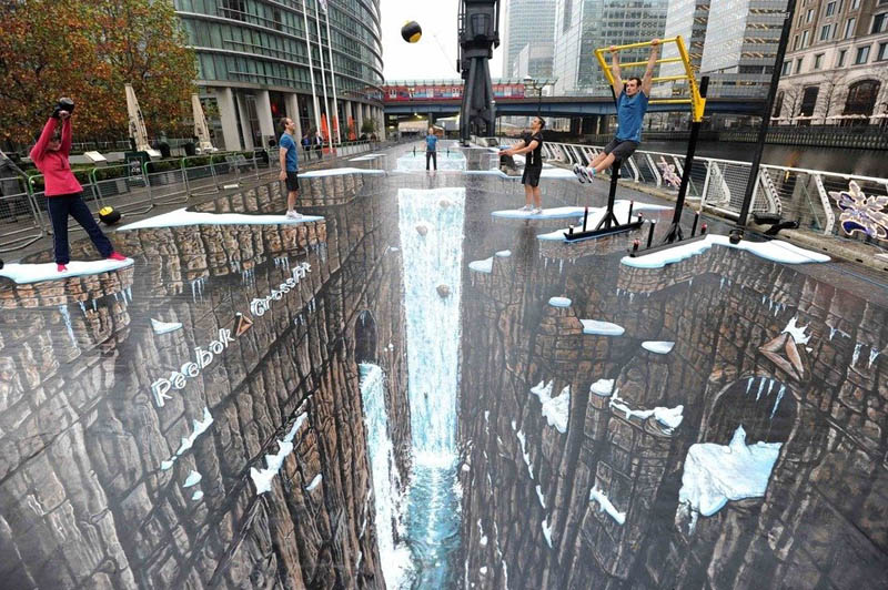 biggest largest longest 3d sidewalk painting ever joe and max Picture of the Day: Biggest 3D Sidewalk Painting Ever