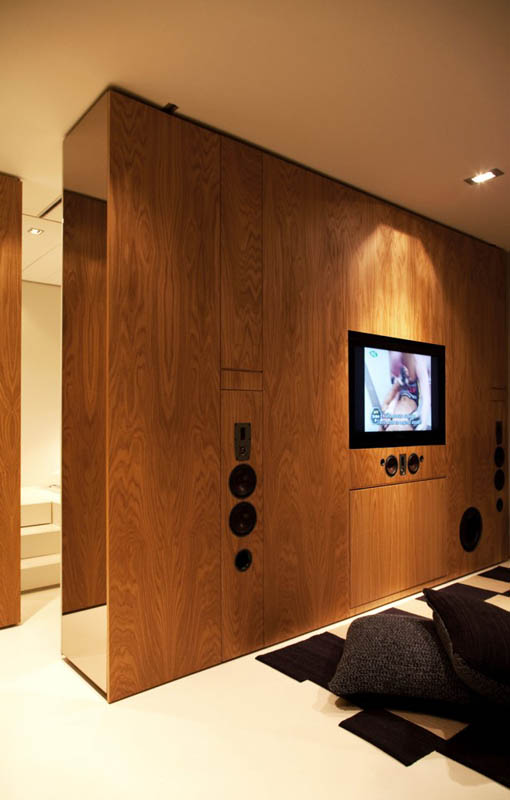 closet house by consexto modular apartment 9 The Biggest Little Apartment in the World