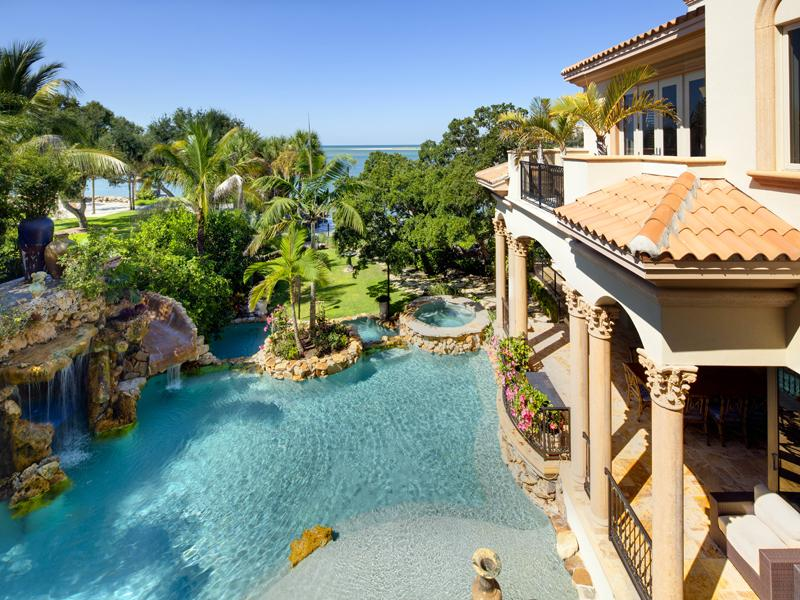 mediterranean moorish design 10 A Mediterranean Mansion with Moorish Flair [33 pics]