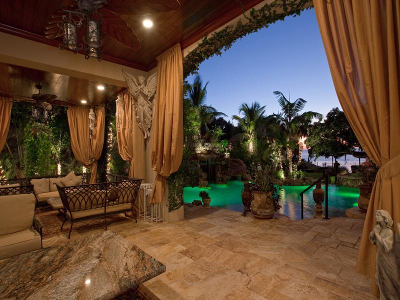 mediterranean moorish design 15 A Mediterranean Mansion with Moorish Flair [33 pics]