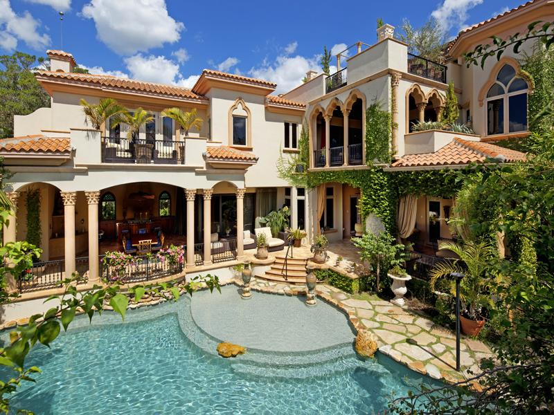 mediterranean moorish design 31 A Mediterranean Mansion with Moorish Flair [33 pics]