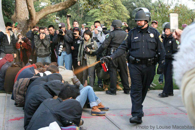 ucdavis pepperspray cop original Pepper Spray All the Things: 35 Funniest Photoshops
