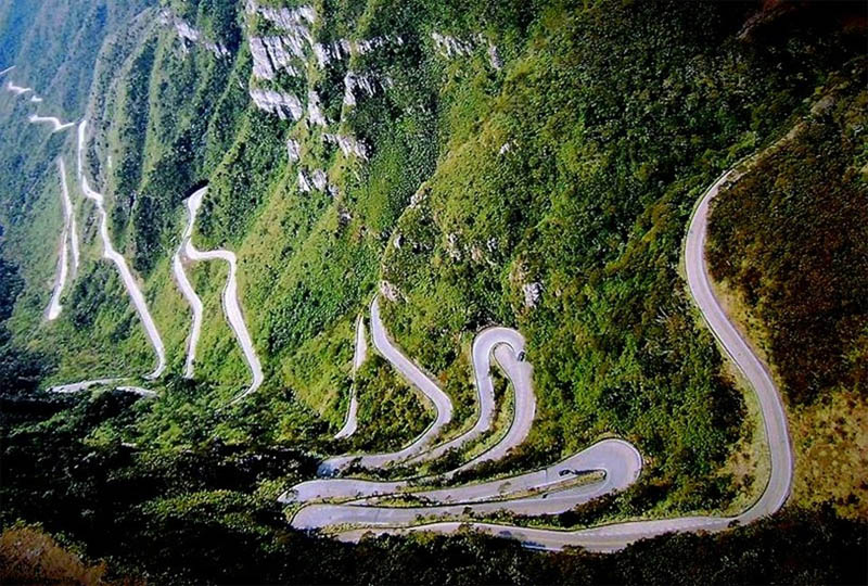 winding road serra do rio do rastro santa catarina brazil 1 Picture of the Day: Stunning Winding Road in Mountains of Brazil
