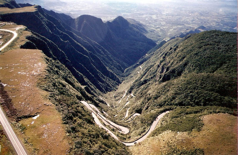 winding road serra do rio do rastro santa catarina brazil 3 Picture of the Day: Stunning Winding Road in Mountains of Brazil