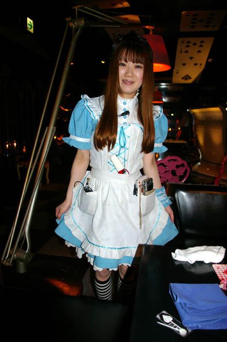 alice in wonderland restaurant tokyo japan 2 3 Bizarre Theme Restaurants in Tokyo, Japan